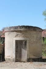 18 Foëcy Base ancien édifice rue G. Péri